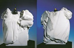 Al vento in bianco e nero, 1991-1992, marmo bianco di Carrara (fronte e retro) cm h 50x50x25