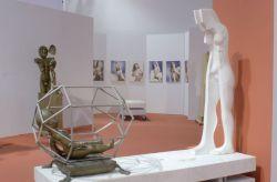 Naissance, 1977-1981, marmo, bronzo e acciaio, (lato 1 in esposizione) cm 180 x 190 x 70