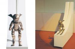 Volar nel vuoto, 2005, legno e bronzo (intero e particolare) cm h 150x150x30