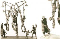 """Monumento alla Resistenza, 1965, bronzo, cm 100 x 100 x 20,        Parco del Circolo Culturale """"Da Giau"""", Torino (È stato rubato)"""