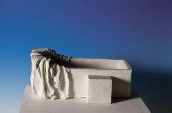 La vasca di Marat, 1976-77, gesso, cm 15 x 32 x 22