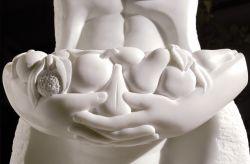 Mater fructuosa, 2008-2009, marmo bianco di Carrara (particolare) cm h 90 x 50 x 30