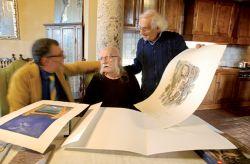 con il critico d'arte Nicola Micieli e il pittore Sergio Vacchi, Monteroni d'Arbia 2015