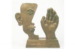 Scultura, 1989, bronzo, cm h 30 x30 x 10,  Museum of fine Art di Volgograd, Ucraina.