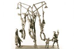 Monumento alla Resistenza, 1965, bronzo, cm 100 x 100 x 20